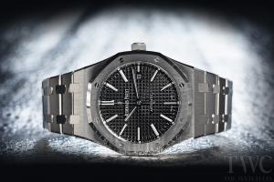 オーデスピゲ :高級感漂う男性ブランドにも初心者向けメンズ腕時計はある?人気TOP5モデルの機能とオーデスピゲ価格を調べよう