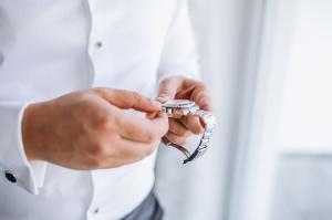 大人の楽しみ!手巻き式ムーブメントを搭載した腕時計おすすめ10選!