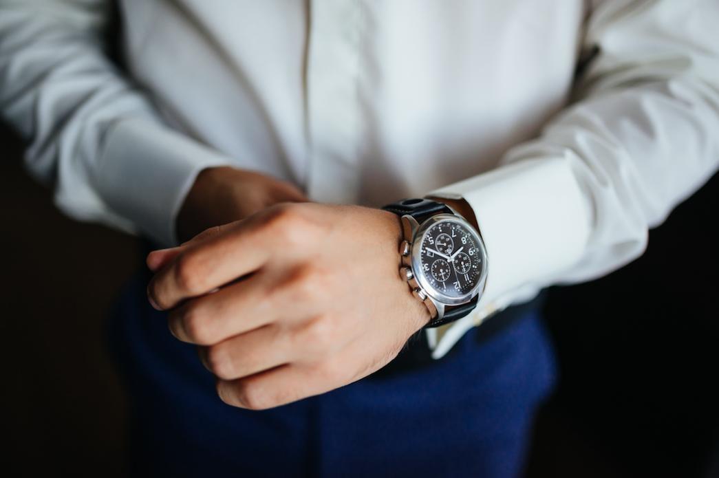 就活中のお財布にも優しい!?面接官の心をつかむビジネス腕時計5選!