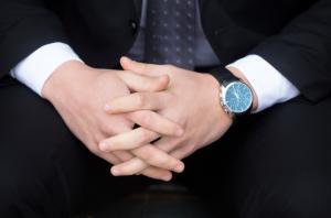 おすすめのビジネス腕時計人気ランキング!【メタルや革製も】