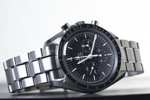 オメガの腕時計でメンズ人気が高い スピードマスター おすすめランキング TOP5